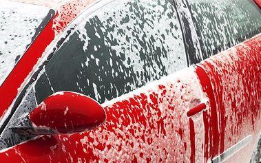 Profesionální ruční mytí a úklid automobilu ve společnosti Royal Wash v Brně