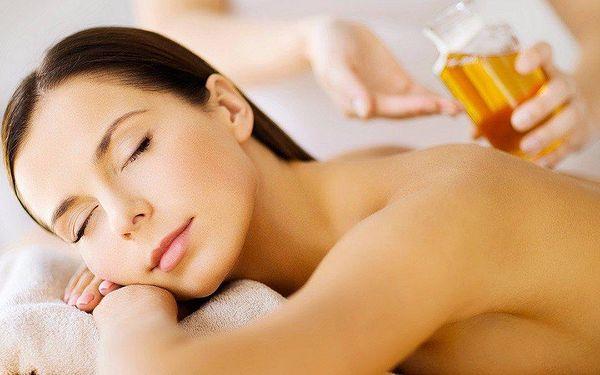 Relaxační masáž zad vonným olejem