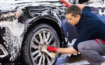 Ruční čištění auta i renovace laku v OC Mercury