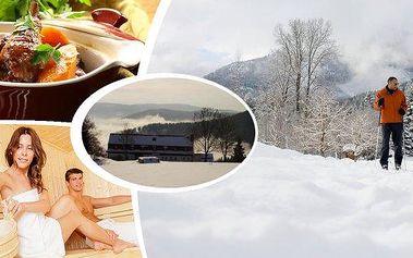 3, 4 nebo 5 dní v penzionu Alpine pro dva v bezprostřední blízkosti lyžařských areálů a běžeckých tras!! Pochutnáte si na polopenzi z domácího chovu, parádně se vyspíte, zalyžujete si se slevou a tělo prohřejete v sauně!!