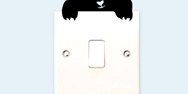 Samolepka černé kočky na vypínače