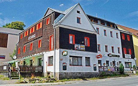 3–4denní pobyt v hotelu Slavie na Šumavě pro 2 se snídaněmi nebo polopenzí