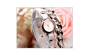 Velmi originální hodinky s řetízkem rozzáří každou ženu. Které provedení vám na ruku sedne nejvíce?