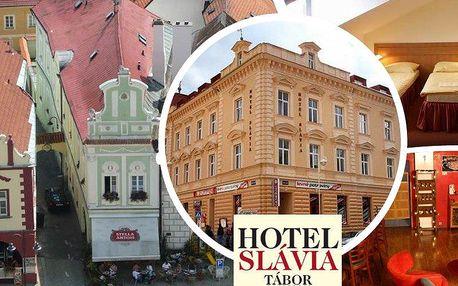 3denní pobyt pro 2 osoby v hotelu Slávia Tábor s bohatými snídaněmi. Děti do 6 let zdarma!