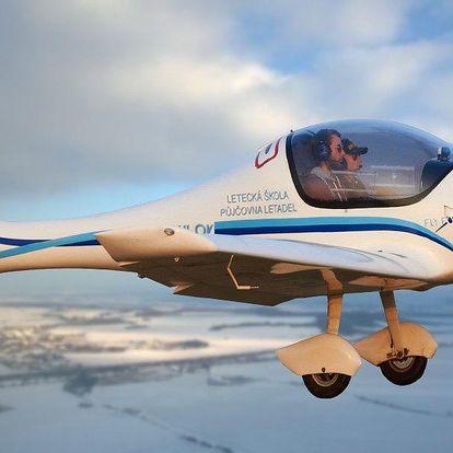 Pilotování letadla Zephyr 2000 s instruktáží