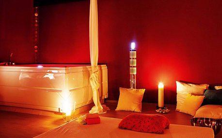 Privátní relax v sauně a vířivce při svíčkách