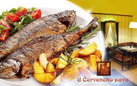 2x celý pstruh, americké brambory a zelenina - menu pro dva U Červeného páva u Staroměstského náměstí!