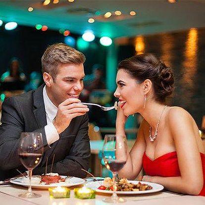 Pětichodová romantická večeře s lahví vína v restauraci hotelu Art Písek