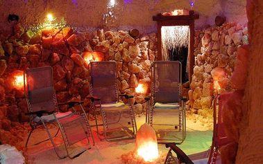 Privátní odpočinek v solné jeskyni s láhví sektu