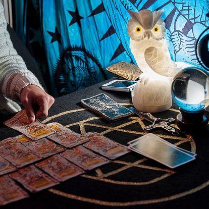 Magický výklad karet po telefonu nebo po chatu! Hodinový výklad karet po telefonu, nebo po chatu.