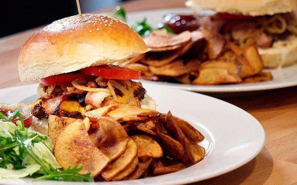 Burgerová bašta v restauraci Grand Prix
