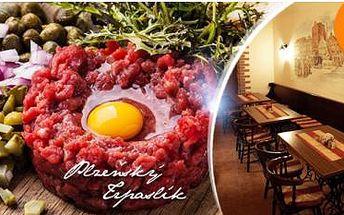 500g tatarský biftek + 25 ks topinek. Obří masový pokrm až pro 5 osob u Plzeňského trpaslíka.