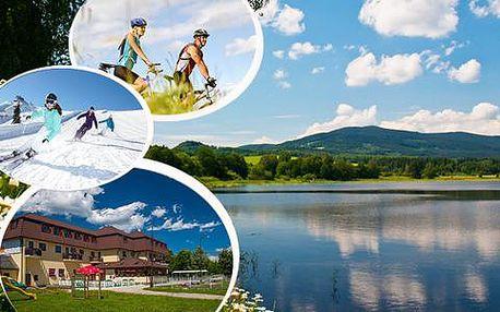 Lipno na lyžích i na kole s polopenzí v Hotelu Na pláži