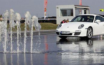 Kurz sportovní a bezpečné jízdy na polygonu v Porsche Carrera 911