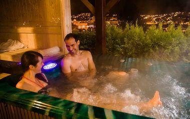 Zahradní apartmá s masážní finskou saunou a nafukovací vířivkou