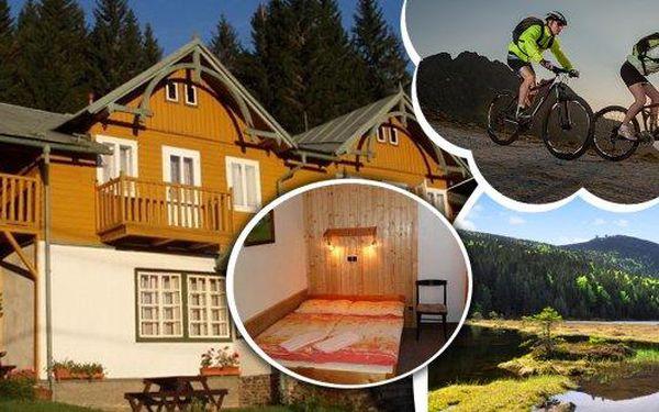 """Přijeďte si užít Šumavu přímo do Hojsovy Stráže a ubytujte se na 3 dny v """"alpském stylu"""" v penzionu Rychta za fantastickou cenu pro 2 osoby. Jako dárek pro Vás máme pohled, turistickou mapu okolí a pivo Rychtář! Ideální pro procházky, sběr lesních plodů,"""