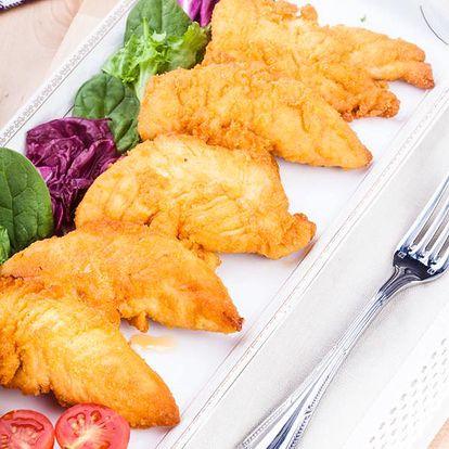 Fish & chips s tatarskou omáčkou nebo kečupem v restauraci U Munků v centru Prahy.