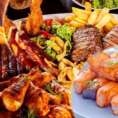 GRILL MIX s lososem pro 2 nebo 4 osoby! Kuřecí křídla, stehna, špíz, vepřové steaky, příloha a omáčky!