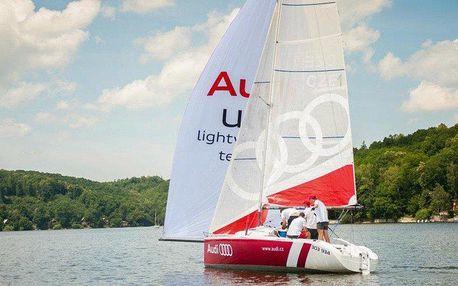 Adrenalinová nebo relaxační plavba na plachetnici Audi až pro 4 osoby