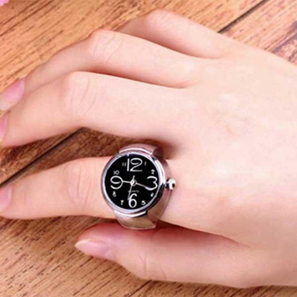 Originální prsten s hodinkami v černé barvě