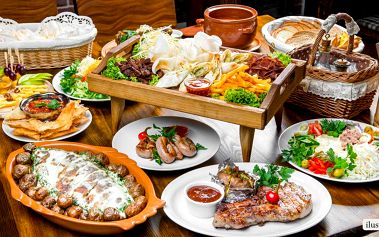 Vydatný raut pro 8 jedlíků v Restaurantu Flora