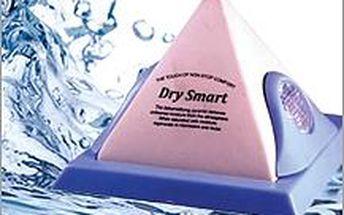 Pohlcovač vlhkosti v hezkém designovém provedení pyramidy. Vyhrajte boj s vlhkostí v bytě a volně dýchejte!
