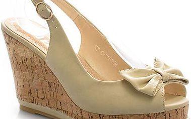 Sandálky na klínku MD7037-2BE 39