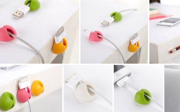Konec zapleteným nebo neustále ze stolu padajícím kabelům na USB nabíječku. Nyní pro vás máme pomocníka, který váš USB kabel udrží na místě a vy jej vždy naleznete tam kde jste jej nechali.
