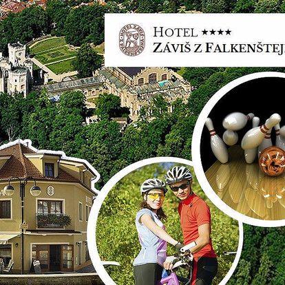 Pobyt pro 2 na 3 dny v hotelu Záviš z Falkenštejna. Snídaně, večeře, vstup na zámek, do ZOO ...