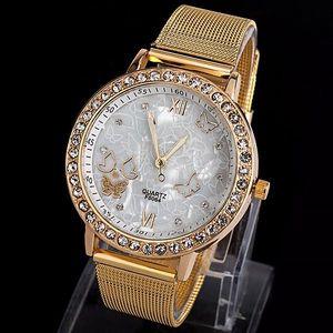 Dámské hodinky s miniaturními motýlky - dodání do 2 dnů
