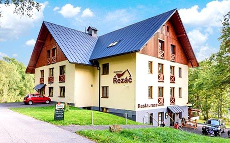 3–6denní pobyt pro 2–4 osoby se snídaněmi v apartmánech Řezáč v Rokytnici nad Jizerou