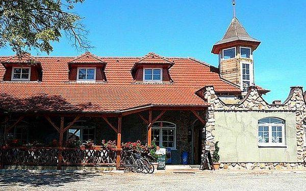 3 až 6denní pobyt pro 2 s polopenzí a sudovým vínem v penzionu Havírna na Moravě