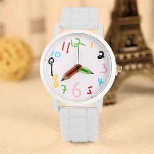 Dámské hodinky s ručičkami ve tvaru pastelek - skladovka - poštovné zdarma
