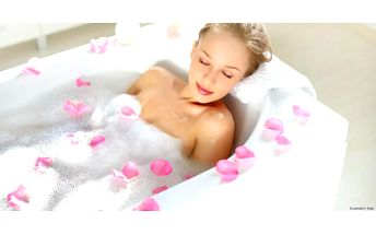 Relaxační koupel s masáží zad a šíje