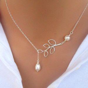 Elegantní náhrdelník s větvičkou a perlami - skladovka - poštovné zdarma