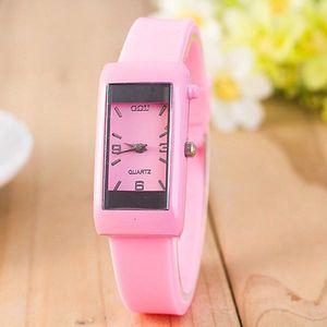 Dámské silikonové hodinky s hranatým ciferníkem