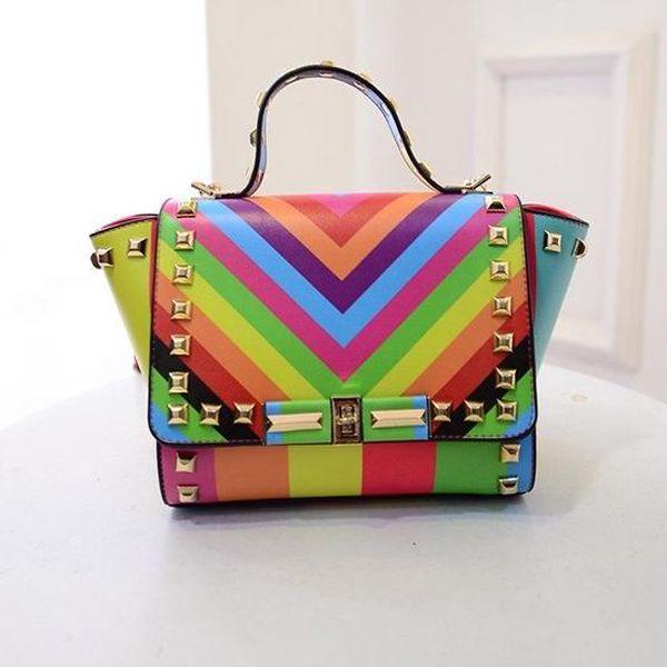 Extravagantní color kabelka