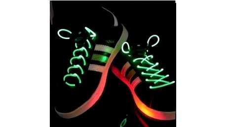Stylové svítící LED tkaničky do bot
