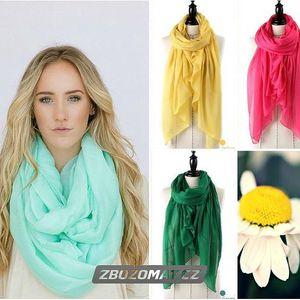 Veselý jarní šátek v krásných pastelových barvách!