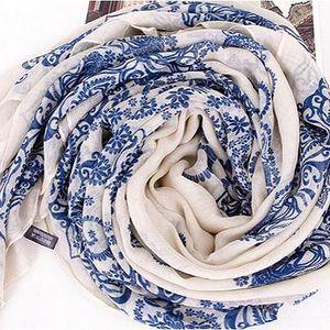 Šátek s porcelánovým potiskem