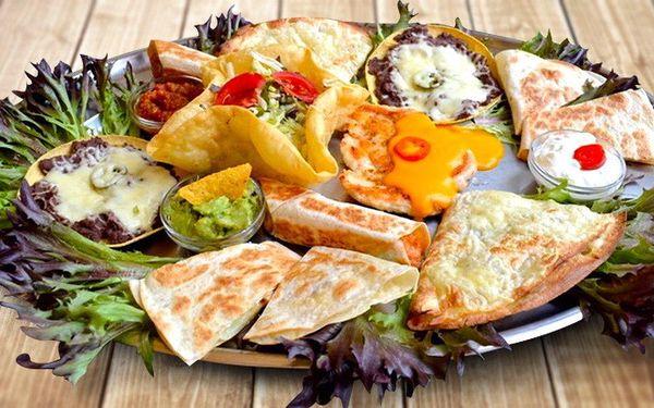Plato dobrot z Nového Mexika v restauraci Sonora