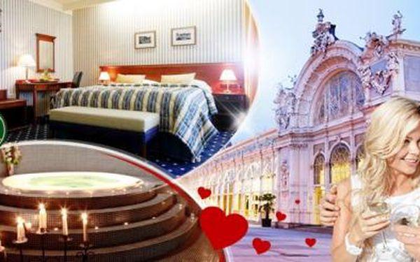 Hotel Morris**** Mariánské Lázně! 3denní Amorův pobyt pro 2 osoby s plnou penzí + menu a privátním wellness!