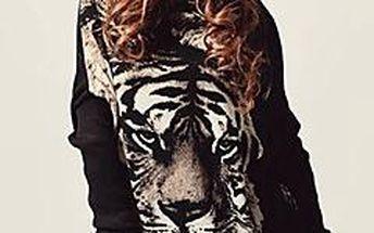Nevšední svetřík s tygrem