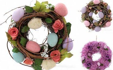 Jarní dekorativní věnec