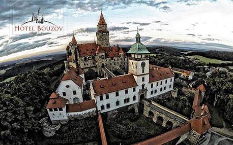 Pohádkové léto s výhledem na hrad Bouzov s polopenzí pro dva a dětmi do 6 let zdarma