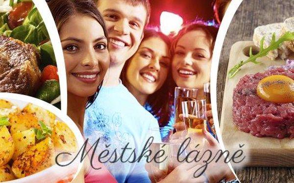 Velké masové menu v restauraci Městské lázně v Hradci Králové. 150g tataráku s topinkami a 300g steak na grilu z krkovice s americkými bramborami. Příjemné prostředí s kvalitní obsluhou a vynikající kuchyní - to je fantastická nabídka pro všechny milovník