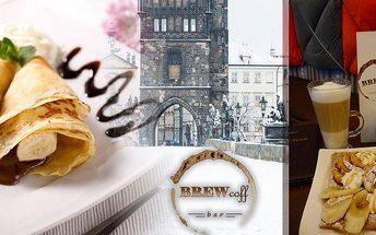 Palačinka s čokoládou, banánem a zmrzlinou a k tomu cappuccino nebo americano! Nechte se unést krásou zimní Prahy a během procházky se přijďte zahřát a potěšit chuťové buňky sladkými delikatesami ve stylové kavárně u Staroměstského náměstí!
