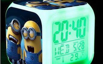 Svíticí hodiny s Mimoni