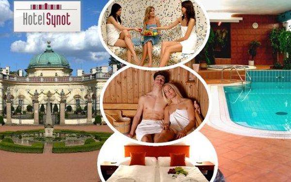 Wellness pobyt pro 2 osoby na 3 dny s polopenzí v hotelu Synot***, neomezeným whirlpoolem, bazénem a saunami. Načerpejte síly v jedinečné relaxační oáze v srdci Moravského Slovácka. Děti do 6let pobyt zdarma!