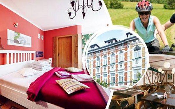 Perfektní cyklistický pobyt na 3 dny v hotelu Clochard pro 2 osoby s polopenzí. Cyklistická brožura s mapkami a pití pro cyklisty zdarma! Užijte si relax na kole v poblíž Kamencového jezera s možností až 8 cyklo-výletů po úpatí Krušných hor!